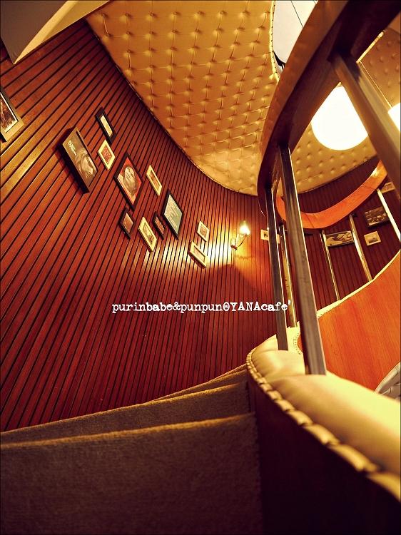 25樓梯1
