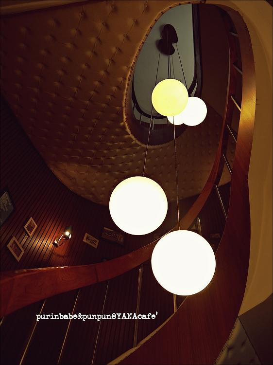 27樓梯3