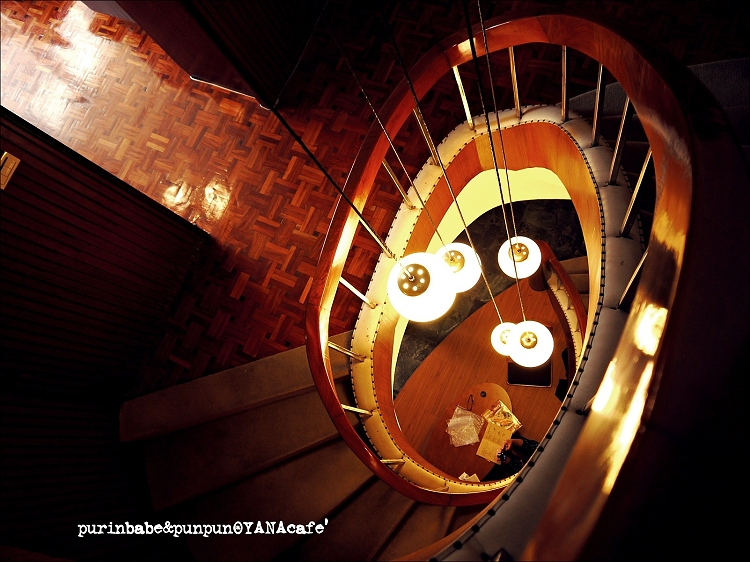32樓梯8