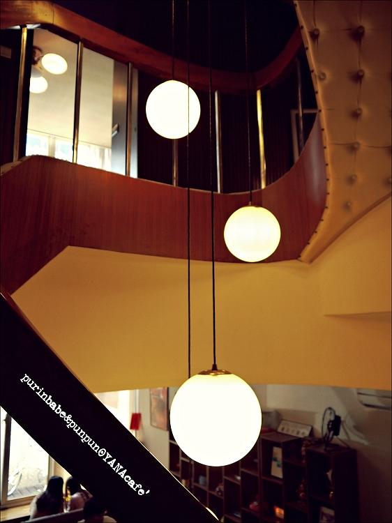28樓梯4