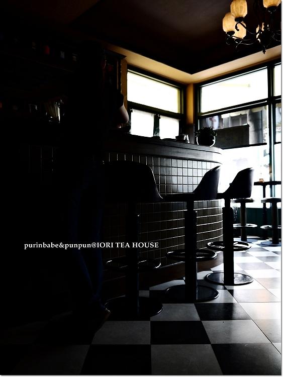 14黑白棋盤地板