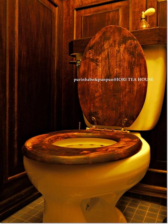 25木質馬桶座