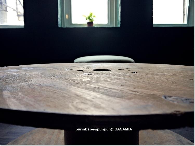 11圓木桌