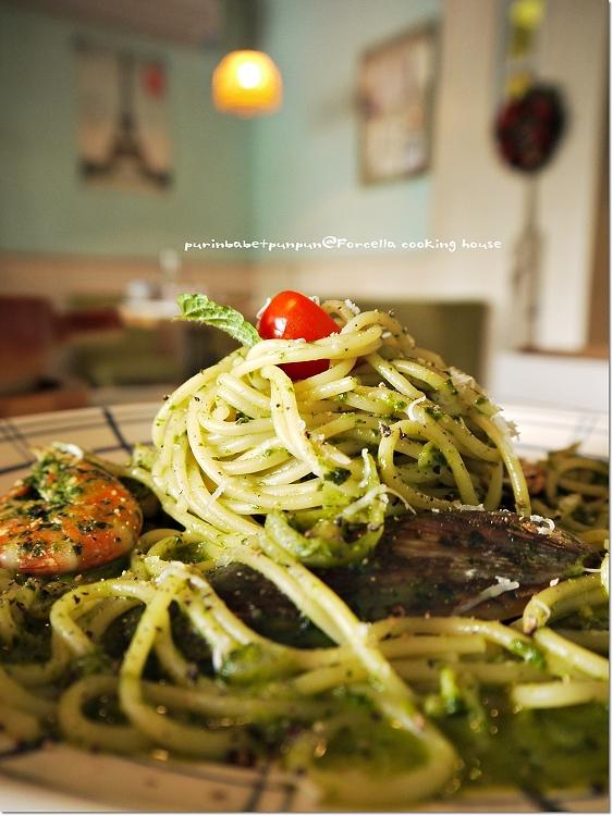 30羅勒松子綠綠海鮮義大利麵