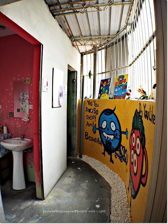 8廁所外繪畫