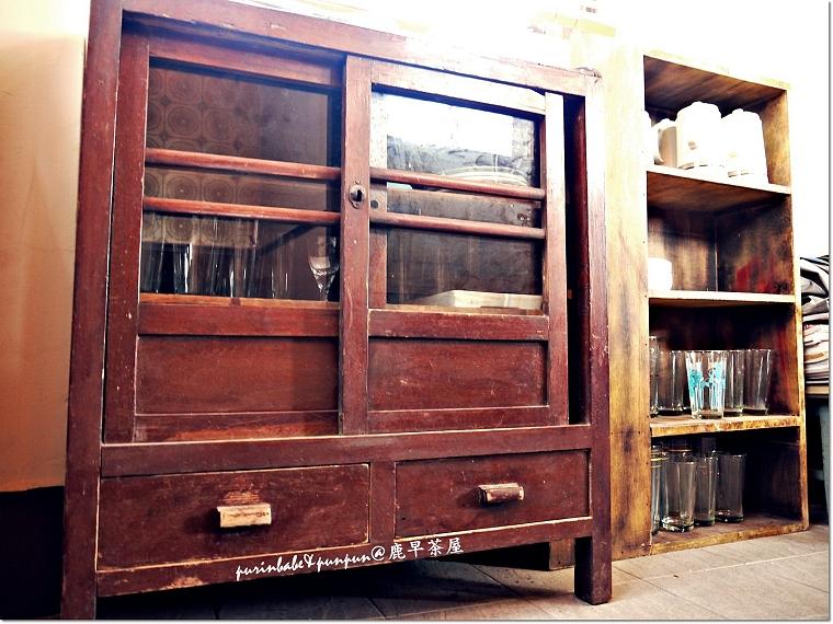 15二樓舊櫥櫃