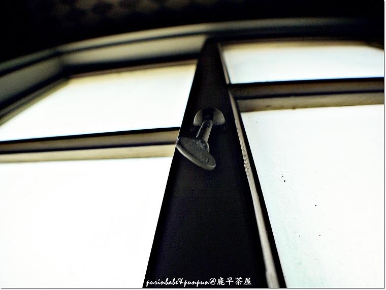 11木窗拴子