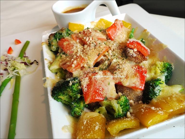24彩蔬紅咖哩焗飯1
