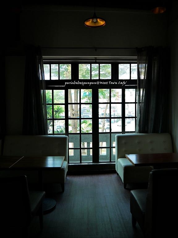 21二樓格子窗