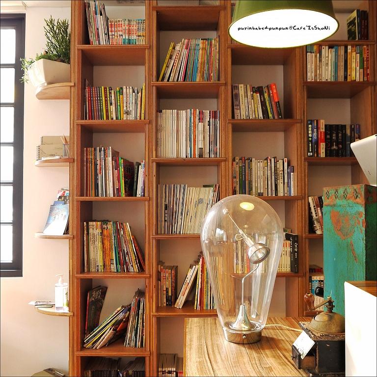 12玻璃罩磁鐵驅動桌燈1