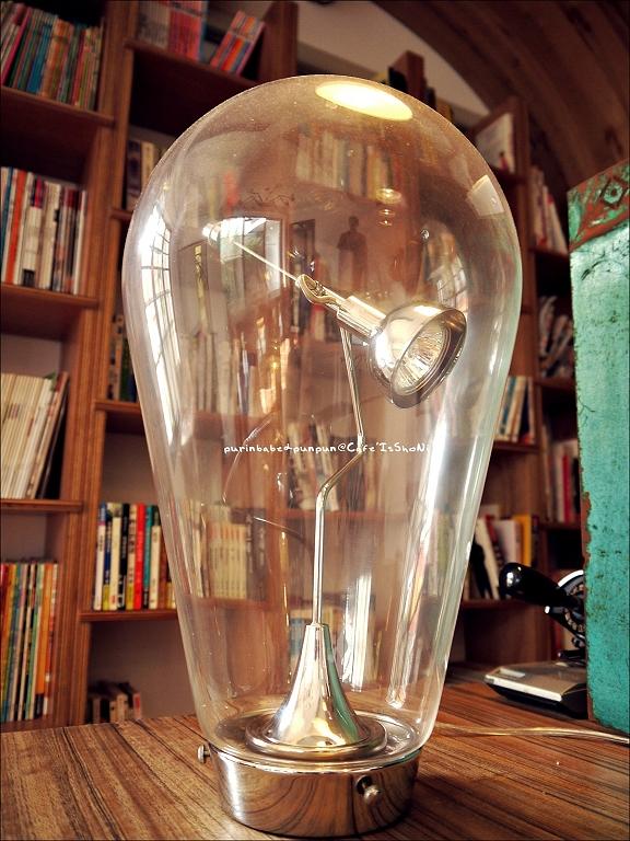 13玻璃罩磁鐵驅動桌燈2