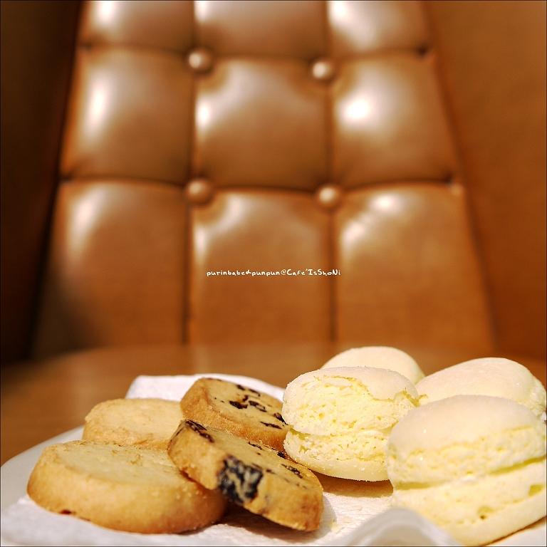 35手工餅乾與新裕珍牛粒