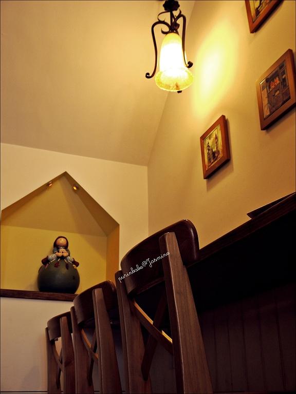 9高腳椅區