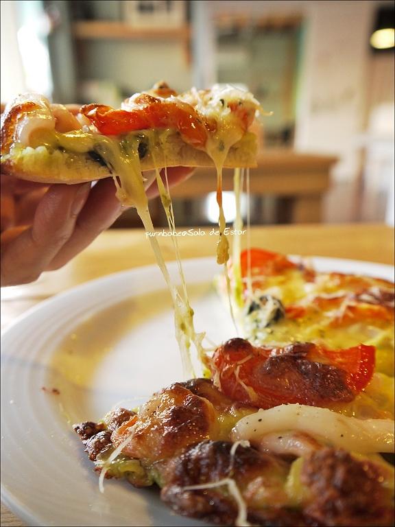 32六吋青醬海鮮披薩2