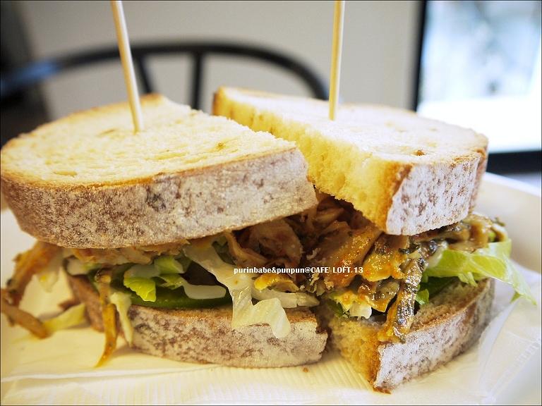 37燻雞肉三明治2