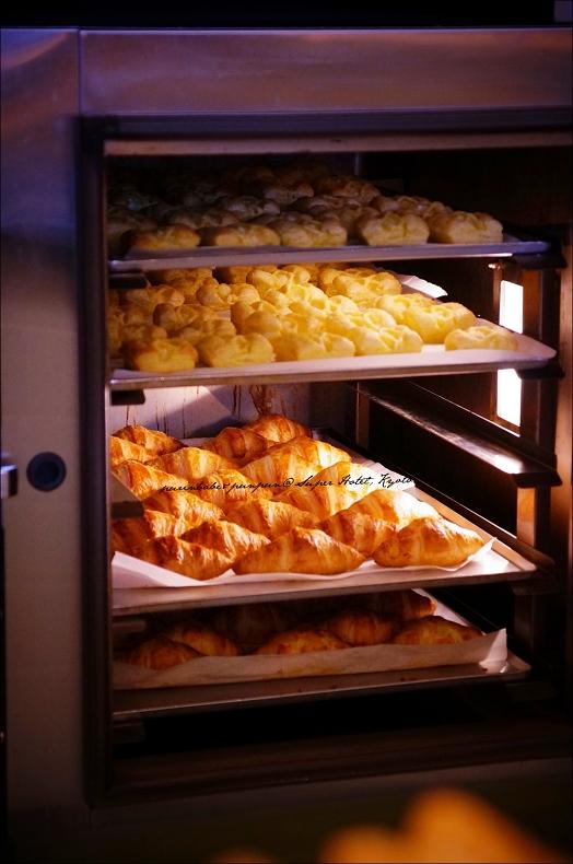 18麵包新鮮出爐