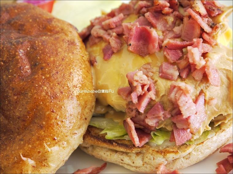 22花生培根牛肉漢堡3