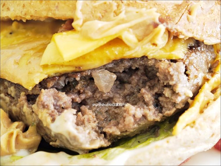 23牛肉漢堡斷面