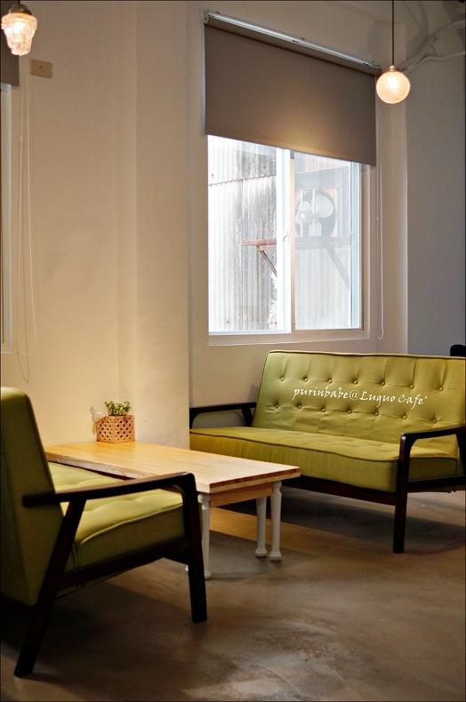 23綠沙發