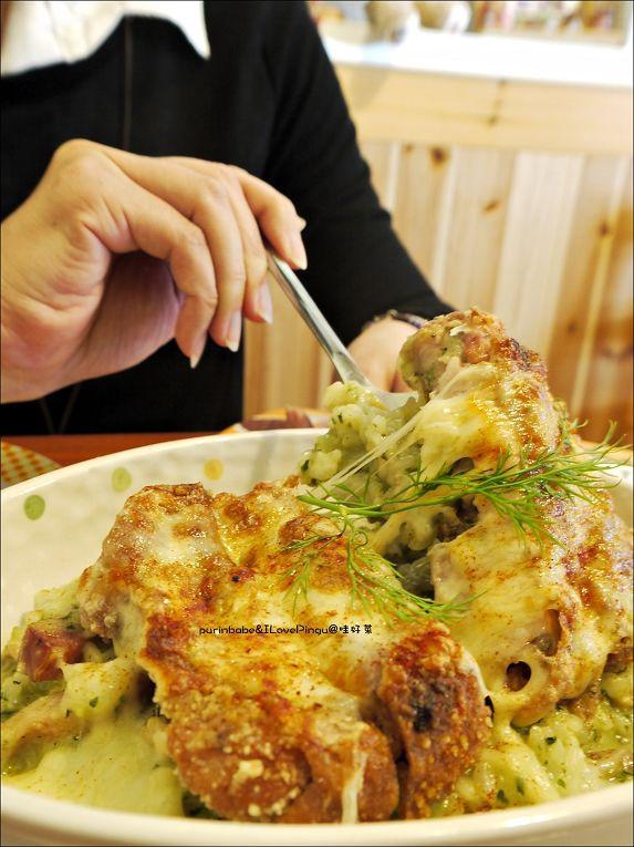 35芫荽風味青醬焗烤飯佐整隻油炸去骨雞腿燉飯2
