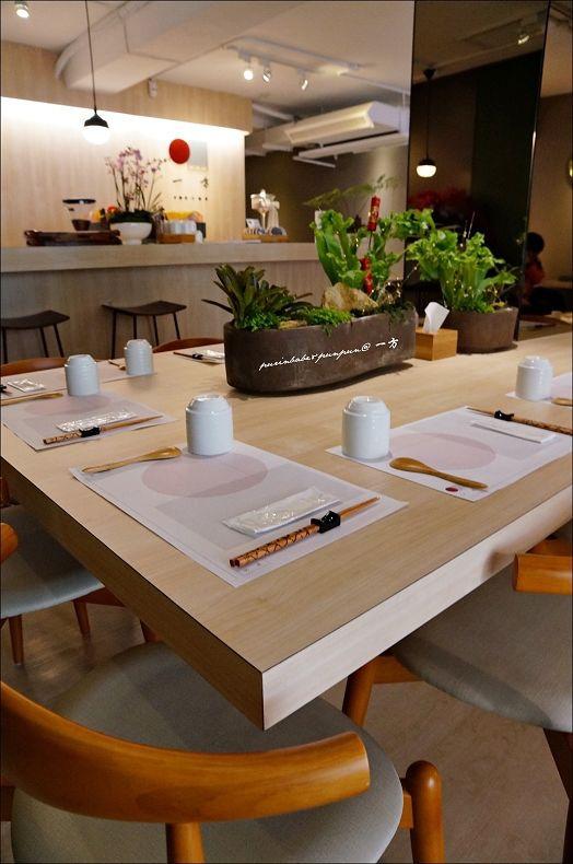 8共食桌1