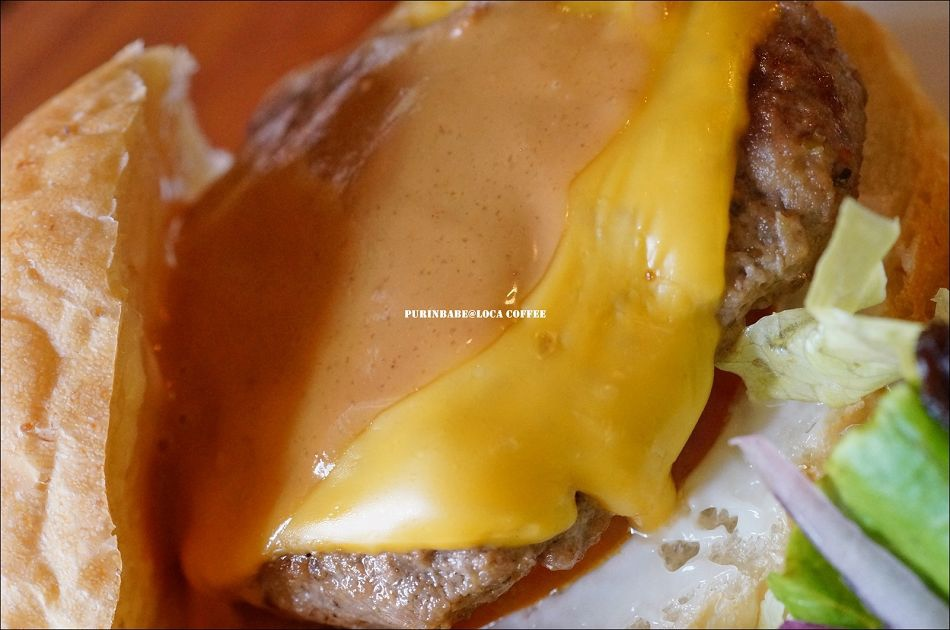 34手打花生醬起司牛漢堡