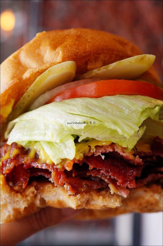35美式花生培根漢堡斷面