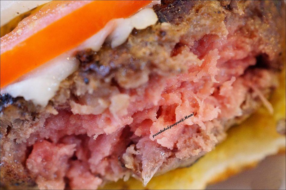 28大牛肉漢堡斷面2