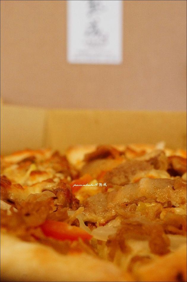 17高麗菜漬佐鹽烤五花豚披薩2