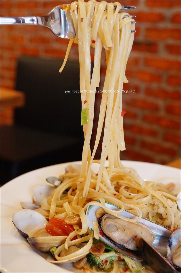 30蒜味辣炒市場蚌類小舌麵3