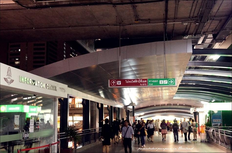 9Phaya Thai站搭電梯下樓接BTS