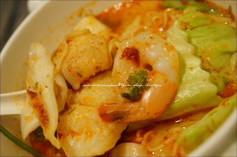 21酸辣海鮮媽媽麵2
