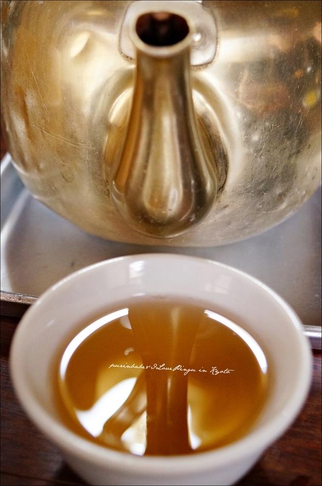13自取熱茶
