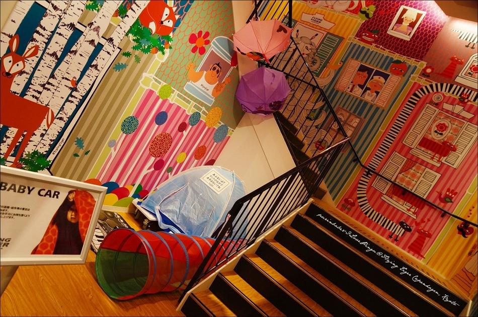 13一樓樓梯2