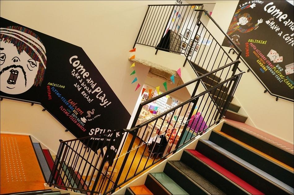 34二樓樓梯2