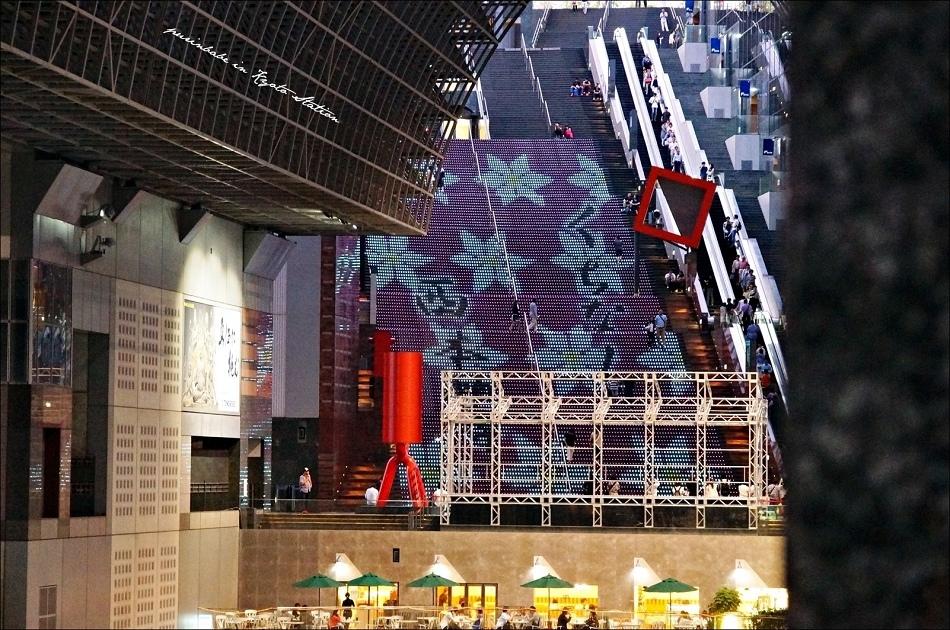 24京都車站LED台階4