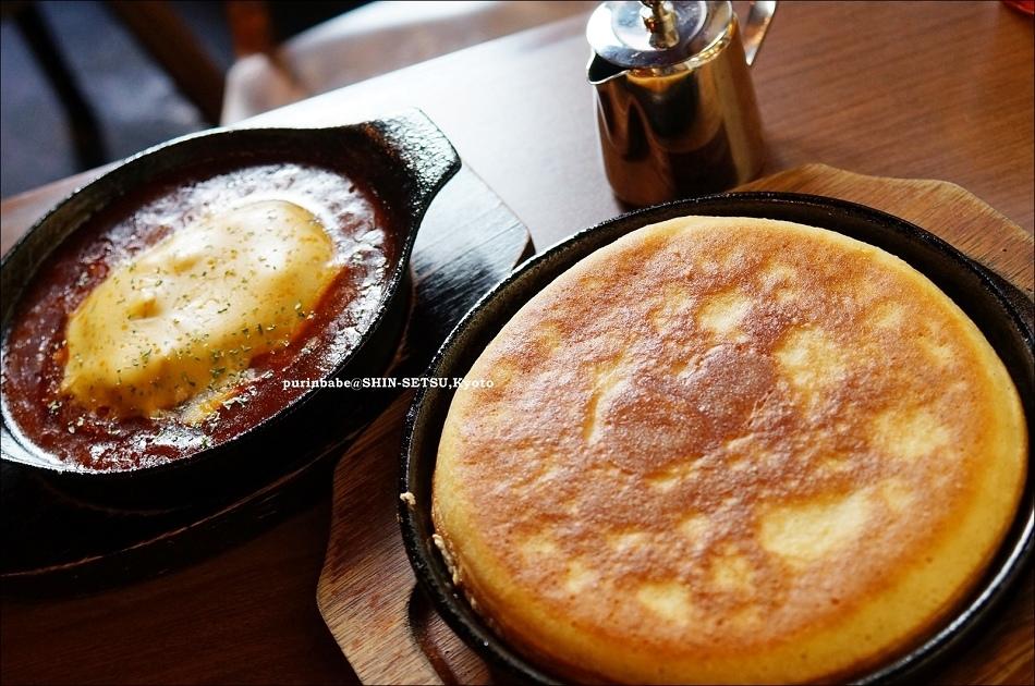 19Plain Pancake & cheddar cheese hamburger & meat sauce