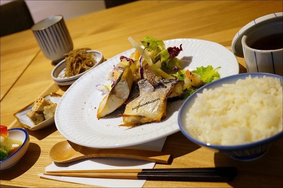 19鹽烤鯖魚定食