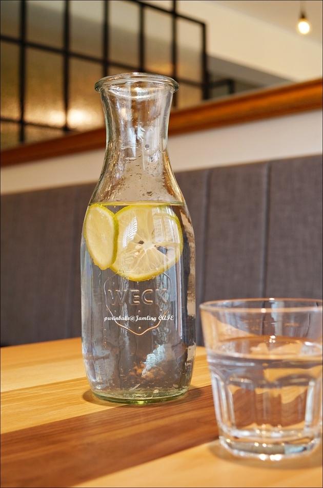 28檸檬水