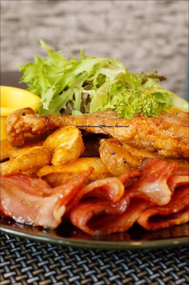 20羅姆風格烤豬排附煎培根與炸薯塊3