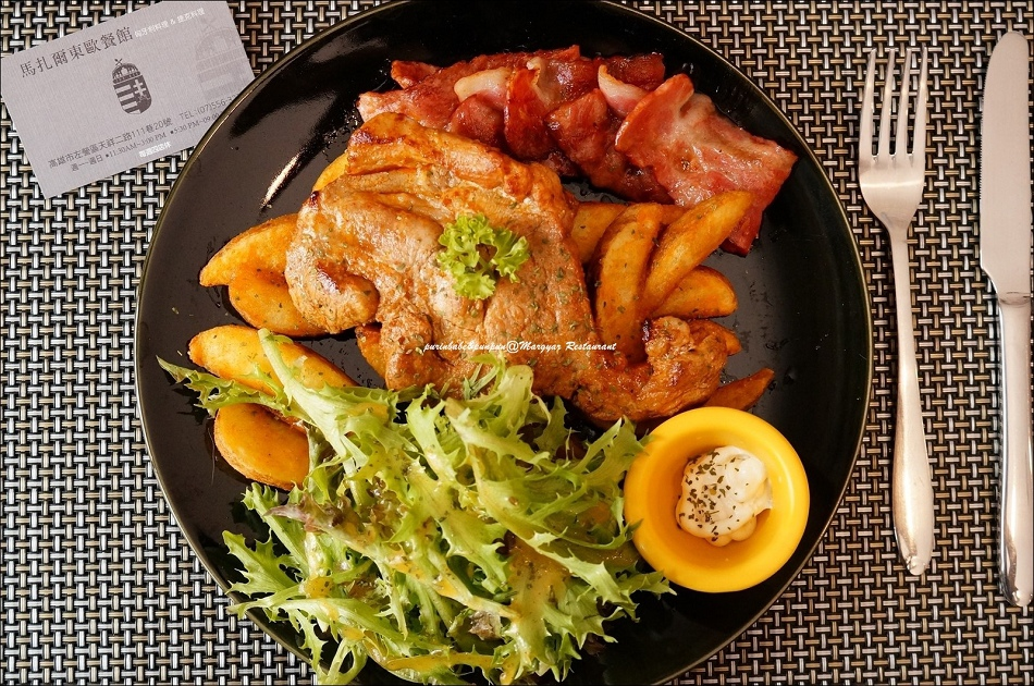18羅姆風格烤豬排附煎培根與炸薯塊1