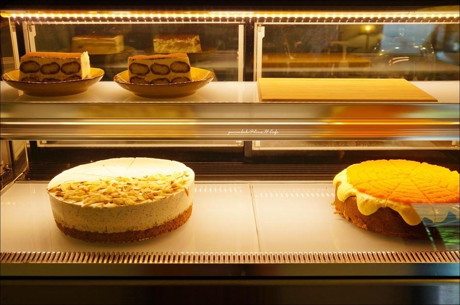 25甜點櫃