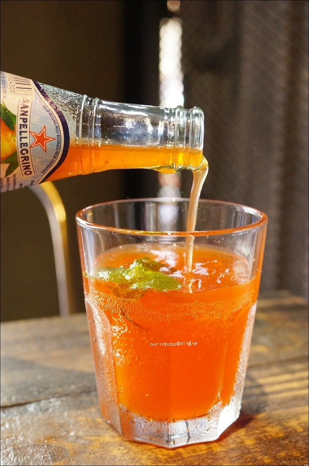 28聖沛黎洛紅橙水果氣泡水2
