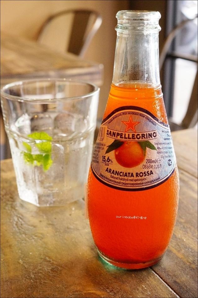 27聖沛黎洛紅橙水果氣泡水1