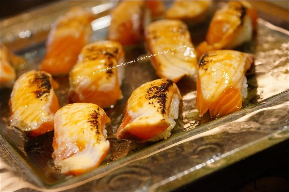 13炙燒鮭魚握壽司