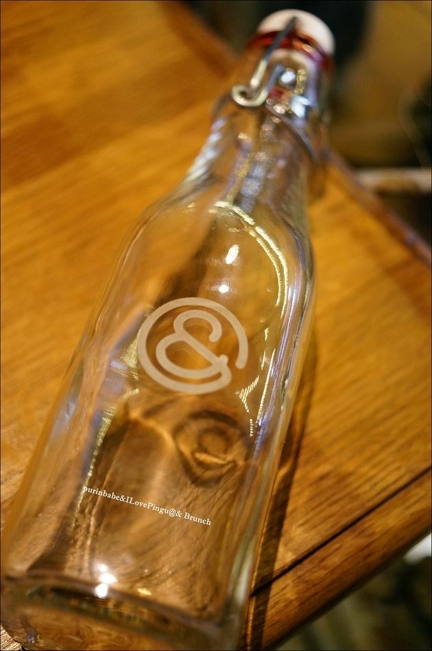 29瓶身logo