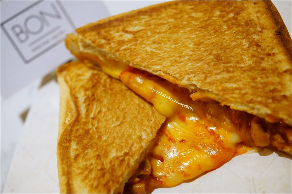 22泡菜雞肉起司熱煎三明治2