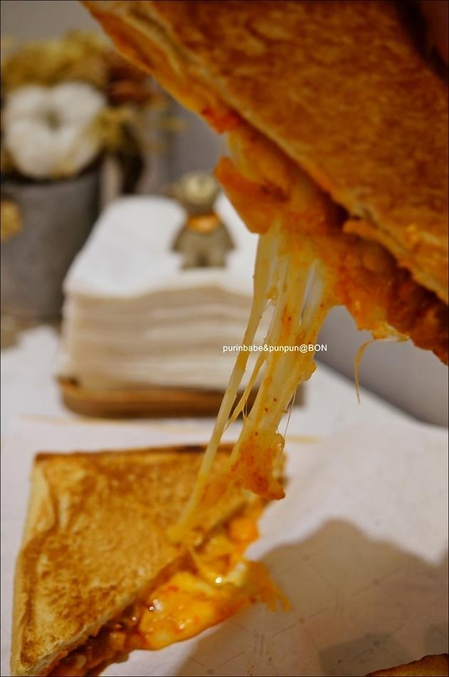 23泡菜雞肉起司熱煎三明治3
