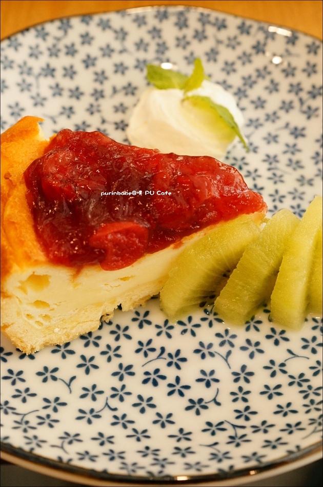 25紅莓乳酪蛋糕2