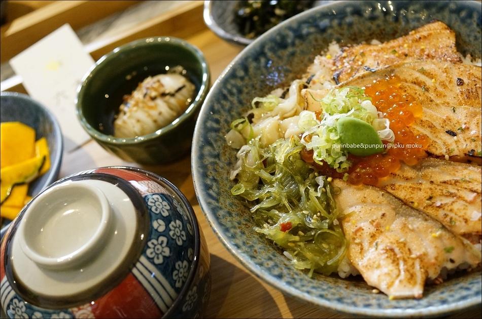 26炙燒鮭魚親子丼